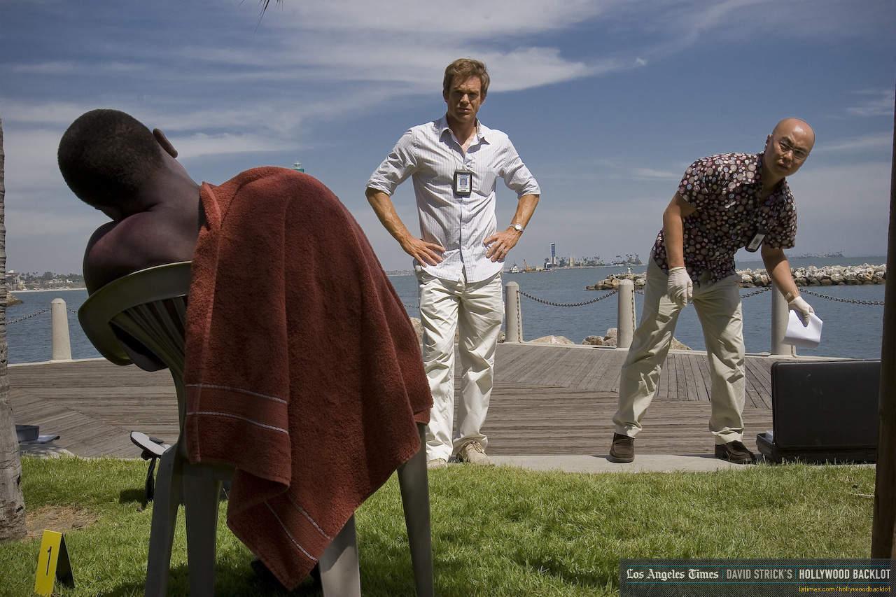 [Resim: Dexter-Season-3-Behind-the-Scenes-dexter...80-853.jpg]