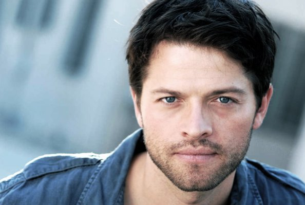 http://images1.fanpop.com/images/photos/2400000/Misha-Collins-Castiel-supernatural-2455159-594-399.jpg