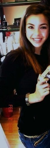 Samantha Boscarino(Alicia)