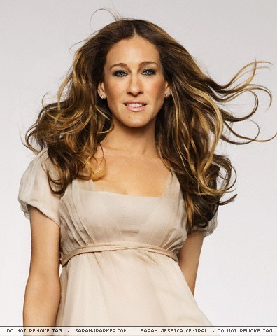 Sarah Jessica Parker wallpaper possibly with a cocktail dress, a dinner dress, and a gown entitled Sarah Jessica Parker