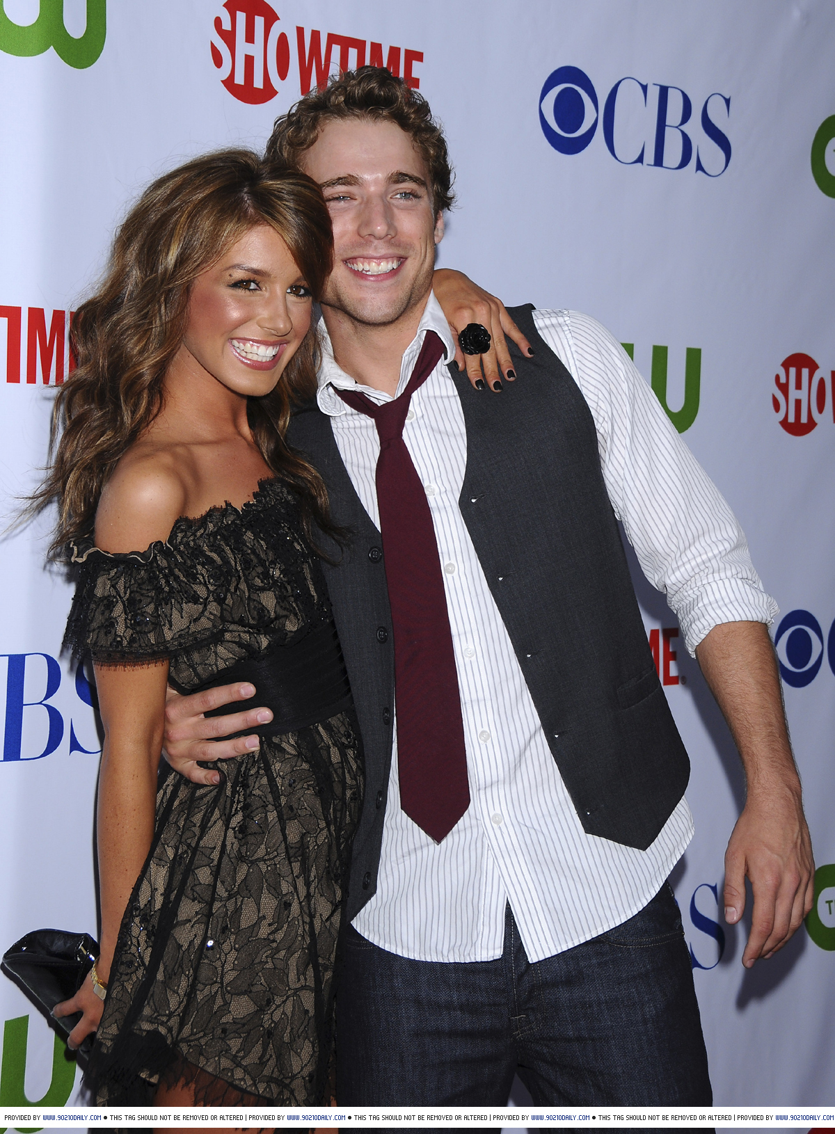 Dustin Milligan And Shenae Grimes