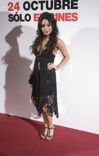 Vanessa at Spain Premiere