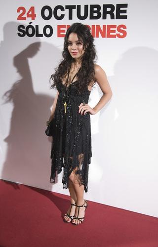 Zanessa at Spain Premiere