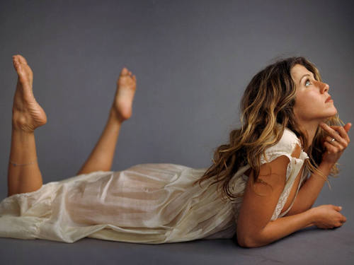 Jennifer Aniston wallpaper possibly with attractiveness, a chemise, and a cocktail dress titled aniston2521024x768