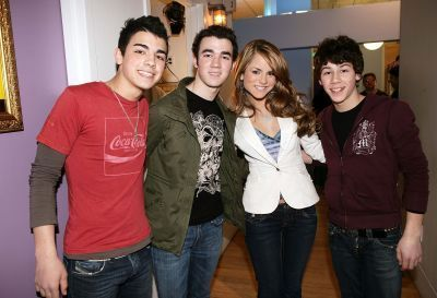 jonas brothers with jojo