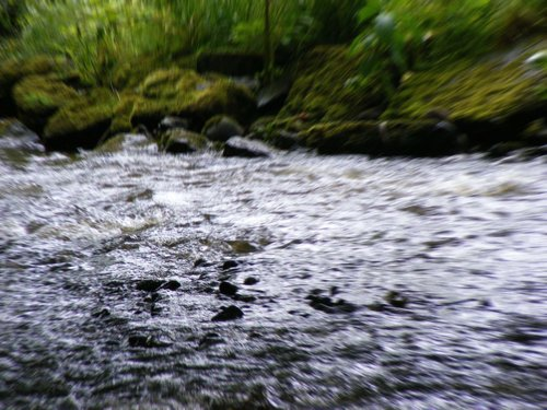 river rock بستر distort