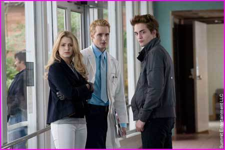 The Cullens वॉलपेपर containing a business suit called the cullens