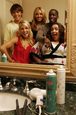 zack with the cast of hairspray - em busca da fama