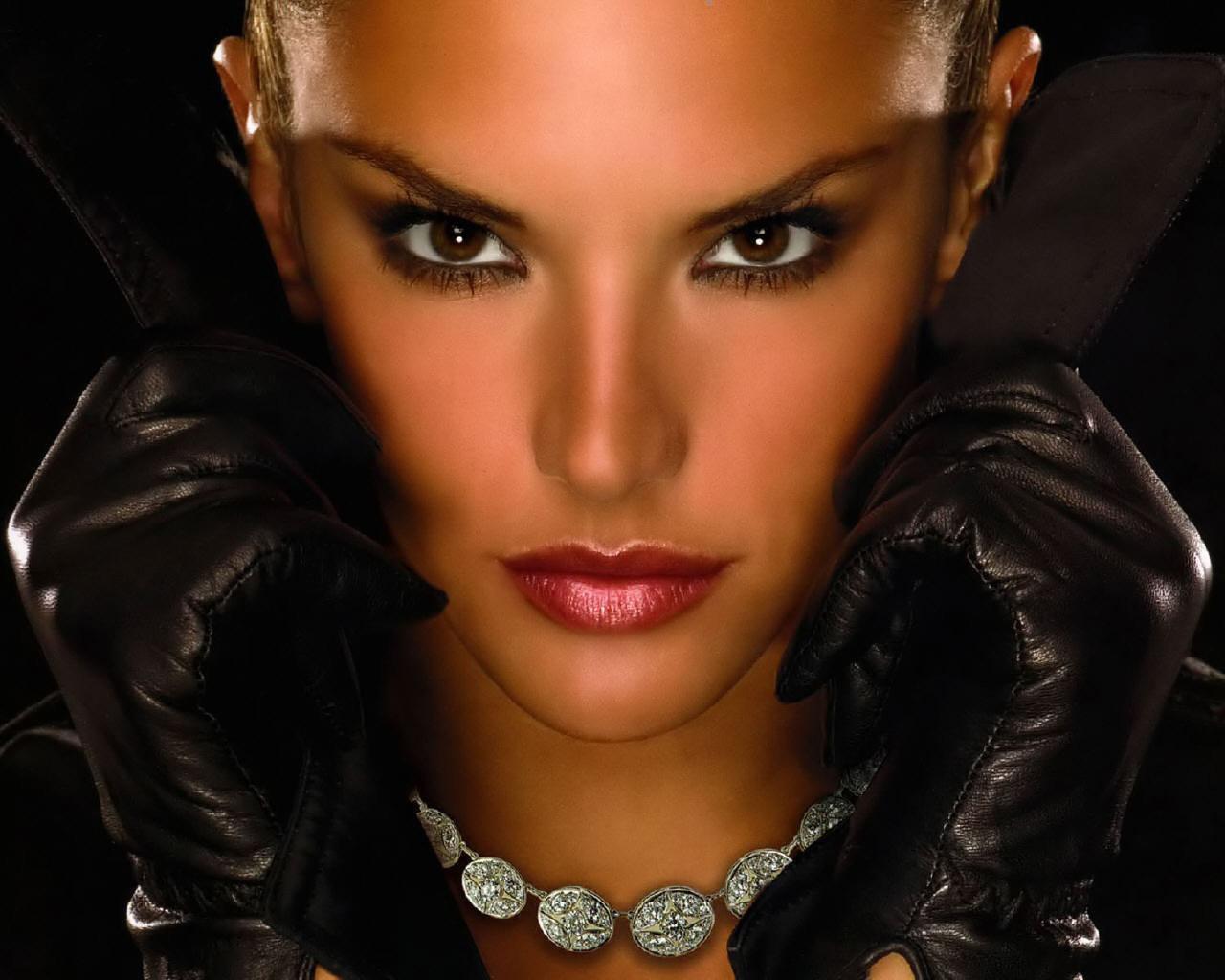 Alessanndra Ambrosio - Victoria's Secret 1280x1024