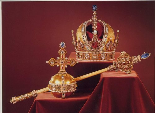 Kings and Queens wallpaper titled Austrian Crown Jewels