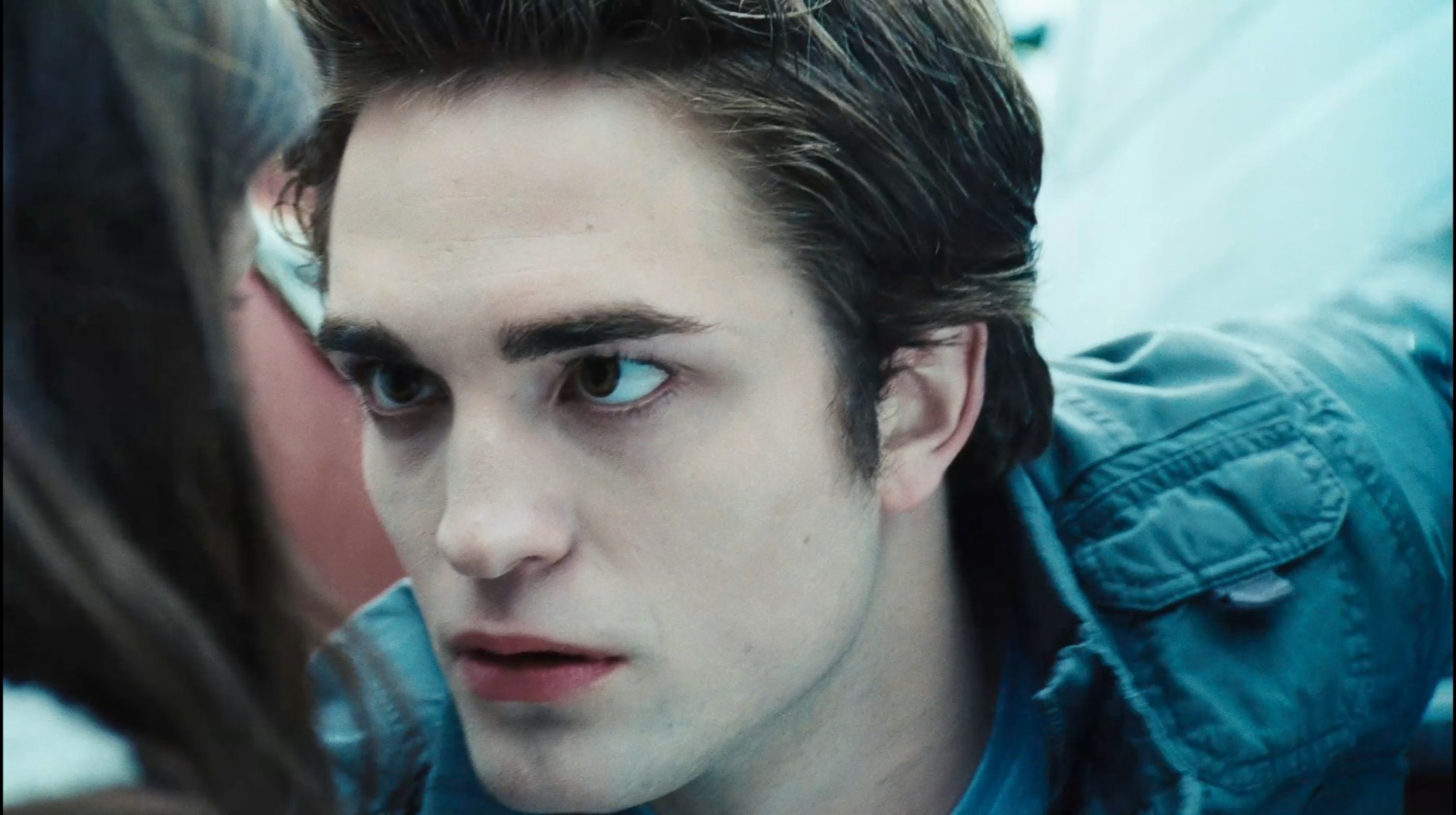 Edward and bella images bella edward twilight trailer 3 hq for Twilight edward photos