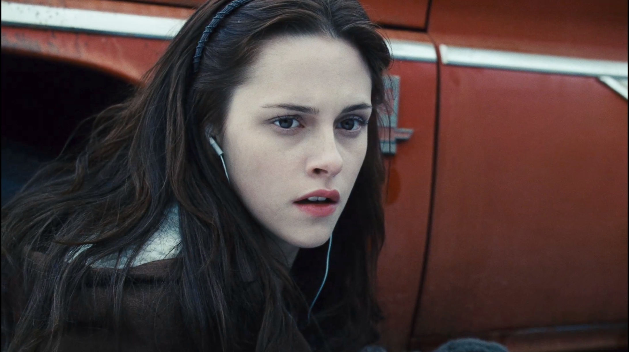 To the Barricade!: In Defense of Bella Swan