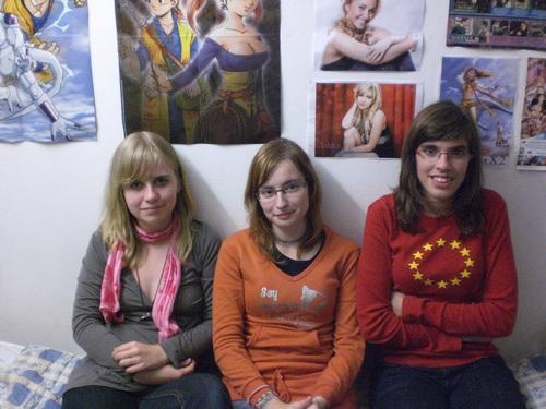 Brownie, Reddie, Blondie ^^ (a friend, Roxyn and IsabellaAzuria)