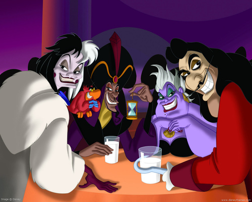 Cruella DeVil kertas dinding entitled Disney Villains