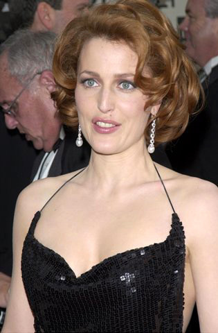 Gillian Anderson achtergrond titled GA