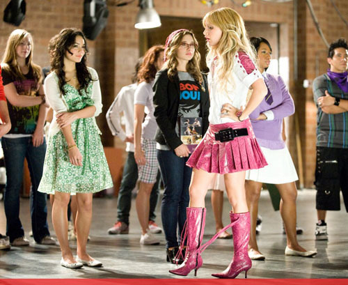 High School Musical 3 kertas dinding possibly containing a hip boot and a koktel dress entitled HSM 3 Candids