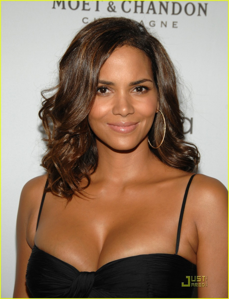 Halle Berry - Photo Colection
