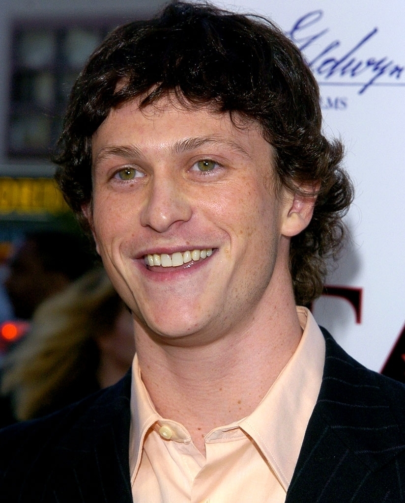 jonathan tucker height weight
