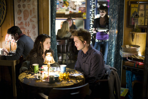 Twilight scene - Bella and Edward
