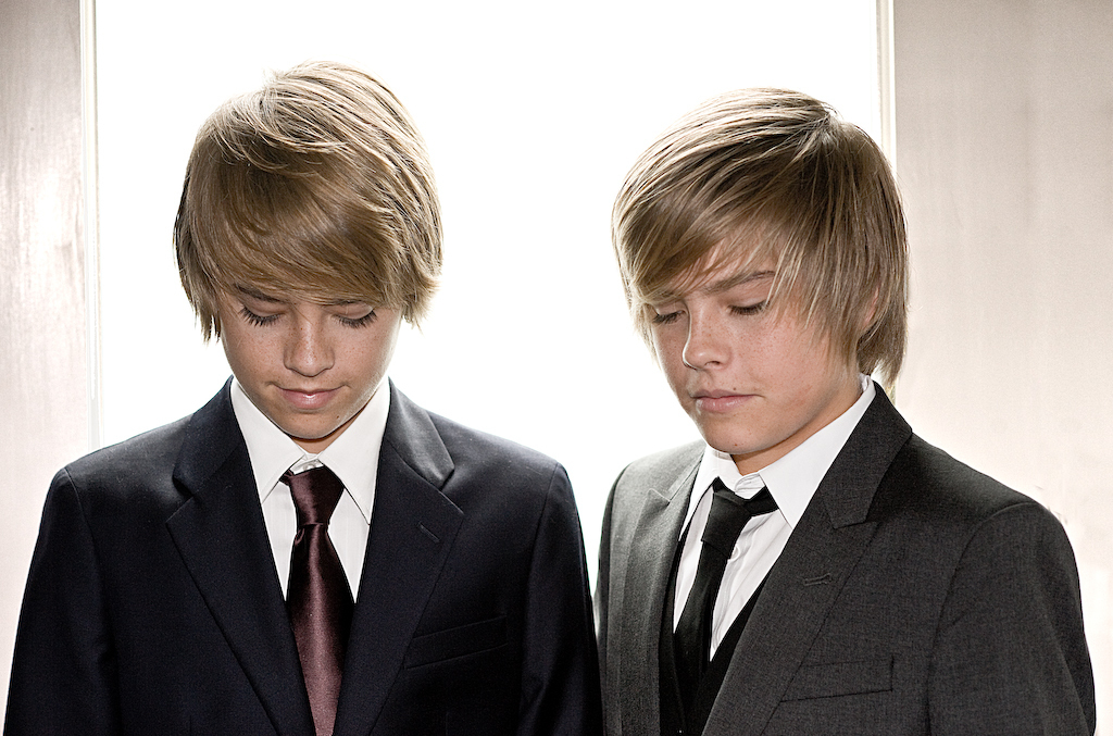 Cole and Dylan Sprouse Cole-and-dylan-the-sprouse-brothers-2511501-1024-677