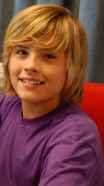 Cole and Dylan Sprouse Dylan-the-sprouse-brothers-2511412-206-369