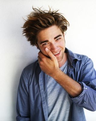 http://images1.fanpop.com/images/photos/2500000/robert-pattinson-robert-pattinson-2550443-317-400.jpg