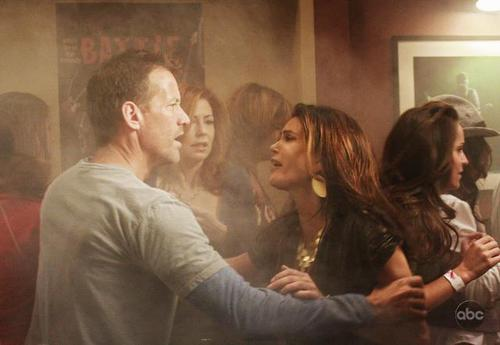 5 08 City on Fire Promo Pics desperate housewives 2602632 500 345 - Desperate Housewives