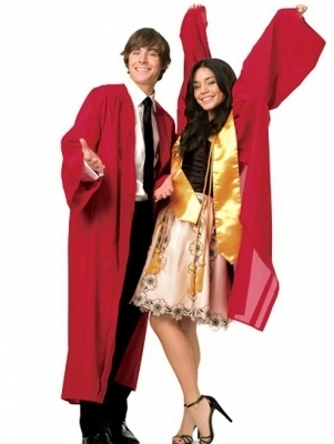 High School Musical 3 wallpaper entitled HSM 3 Promos