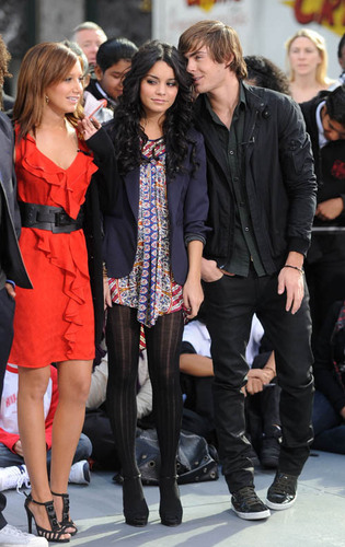 High School Musical 3 wallpaper with a business suit and a well dressed person called HSM 3 Stars at Today Show