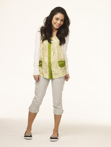 High School Musical wallpaper with a well dressed person titled High School Musical 3 - Vanessa Hudgens