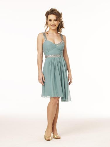 High School Musical fond d'écran possibly containing a cocktail dress, a chemise, and a dîner dress entitled High School Musical 3 - Olesya Rulin