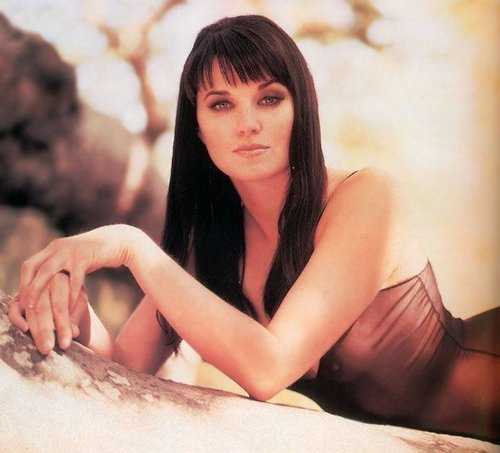 Lucy Lawless wallpaper possibly containing skin and a portrait entitled Lucy