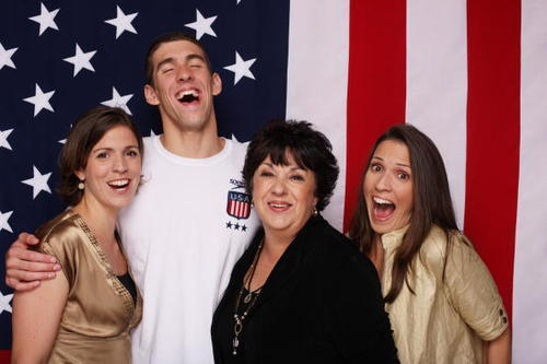Michael Phelps پیپر وال containing a portrait titled Michael and Family