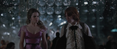 Romione wallpaper possibly containing a cocktail dress titled Ron & Hermione Screencaps [Goblet of Fire]