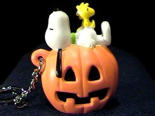 snoopy and Woodstock halloween Keychain