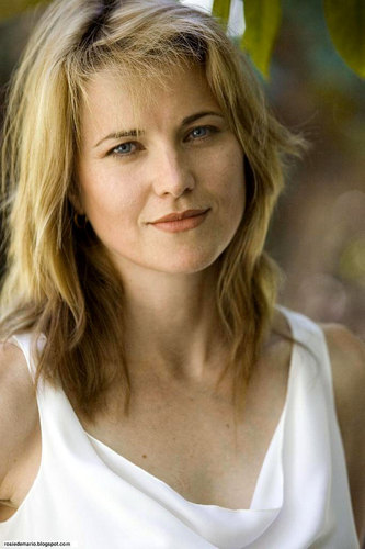 Lucy Lawless wallpaper with a portrait titled Vampire Bats Promo