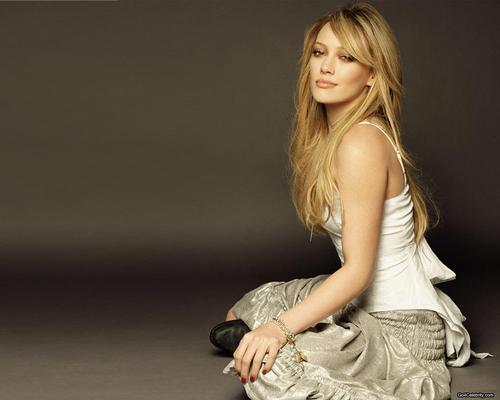 Hilary Duff wallpaper entitled hillary