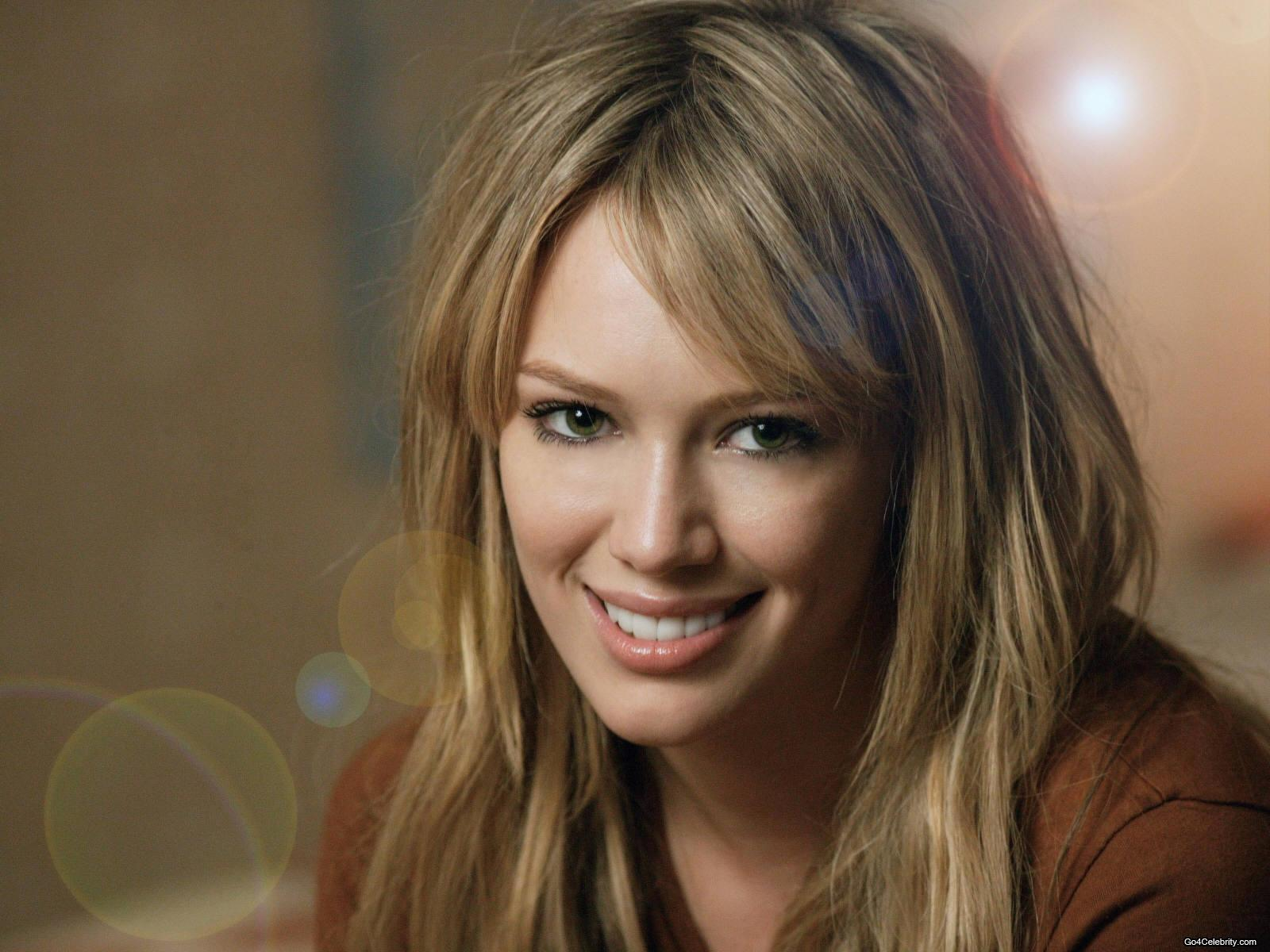 http://images1.fanpop.com/images/photos/2600000/hillary-hilary-duff-2616120-1600-1200.jpg