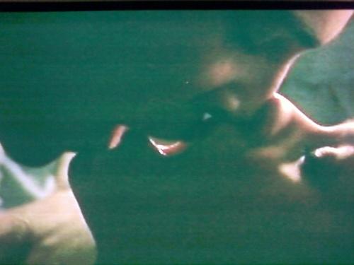 hot CB kiss 2x07