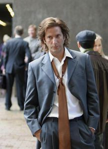 How many siblings has Desmond Hume?