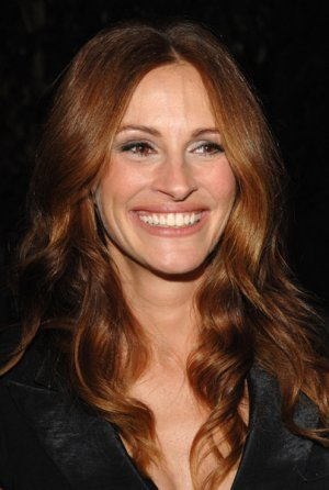 What movie has Julia Roberts playing a character who impersonates Julia Roberts?