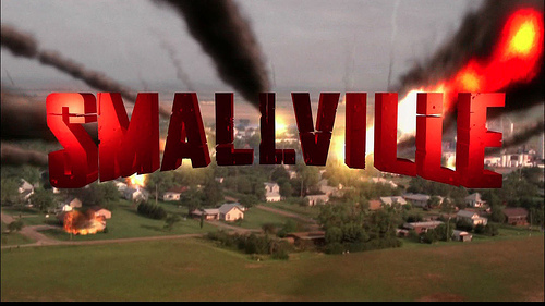 Which actor/actress has also had an important role in Smallville?