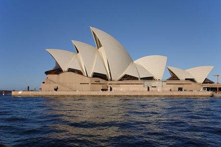 What architect designed the Sydney Opera House?
