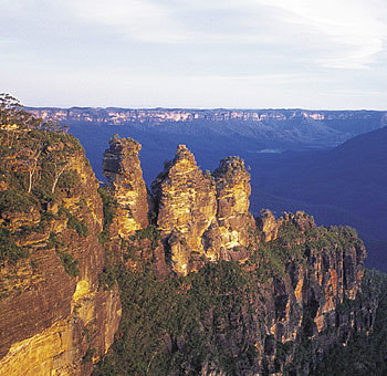 In which State will te find the Blue Mountains?