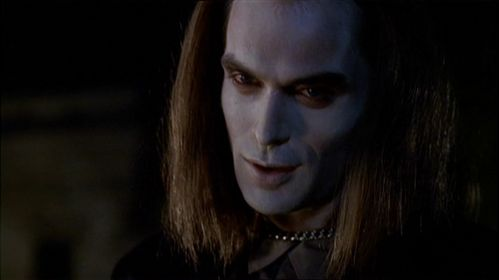 According to Spike, Dracula owes him how many English pounds?
