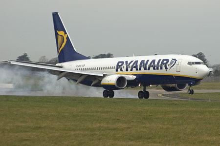 Ryanair often gets ragged on, but According to JACDEC, as of June 2008, they have had how many Hull losses & fatalities since they began in 1985?