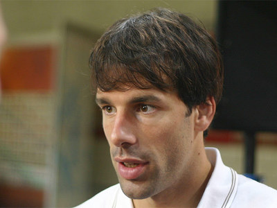 Where did Ruud Van Nistelrooy start his career?