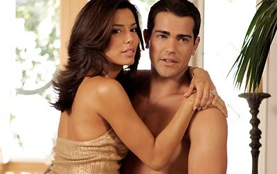 In season 1, what item of clothing did Carlos find that made him believe Gabby was having an affair?