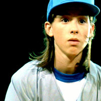 TRUE au FALSE: Before filming Dazed & Confused, Wiley Wiggins (Mitch Kramer) had never thrown a baseball in his life.