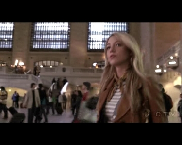 What is the name of the train station where Serena was spotted in the Pilot episode?